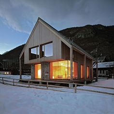 Very warm and inviting...maybe future Carpenter ski lodge ;)