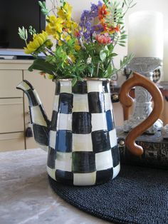 Courtly Check coffee pot or flower vase
