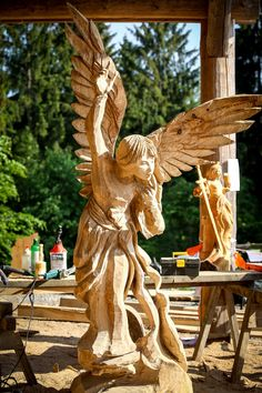 Tree Carving, Wood Carving Art, Dremel Projects, Art Projects, Chain Saw Art, Wood Angel, Wood Burning Patterns, Wood Tree, Wood Sculpture