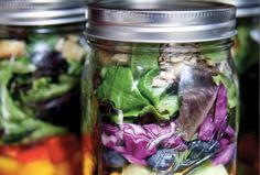 Want to eat your greens all week long, but find it difficult to bring all your salad fixings to work or school? Hello mason jar salad recipes! #featured #healthy #homemade