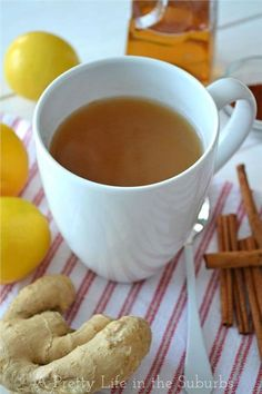 Home Made Ginger Tea. A delicious (and healthy) tea made with fresh ginger, lemon juice, honey, cinnamon and cayenne pepper. But I'll leave out the cinnamon and cayenne. Homemade Ginger Tea, Homemade Detox, Ginger Tea Recipes, Recipe Ginger, Ginger Food, Ginger Drink, Recipe Spice, Ginger And Cinnamon, Gourmet