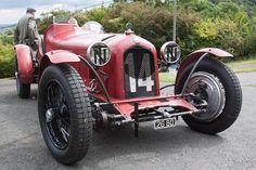 Alfa Romeo P3 1934 - VSCC Prescott 2011 - 01 Alfa Romeo 8c, Alfa Romeo Spider, Vintage Racing, Vintage Cars, Antique Cars, Super Sport, Super Cars, Alfa Cars, Car Manufacturers