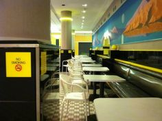 This Is How Beautiful And Weird The Food Court Of An Abandoned Mall Can Look