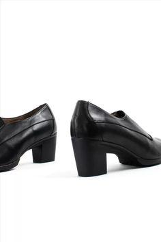 Γυναικεία Δερμάτινα Ανατομικά Παπούτσια WONDERS G-4743 BLACK Heeled Mules, Ankle Boots, Heels, Black, Fashion, Ankle Booties, Heel, Moda, Black People