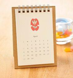 China 2014 New Design Desk Calendar Table Calendar