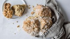 Soda bread: Irsk natronbrød Irish Stew, Soda Bread, Scones, Baking, Cake, Baking Soda, Bakken, Kuchen, Backen