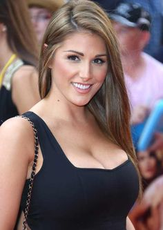 Beautiful celebrities and starlets. Actresses, singers, models and more! Beautiful Celebrities, Beautiful Actresses, Gorgeous Women, Celebrities Fashion, Beautiful Eyes, Pernas Sexy, Jenifer Aniston, Belle Silhouette, Sexy Hot Girls
