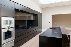 Kaizen worked with Helen Green Design and PDP to create 5 high spec, bespoke luxury kitchens for prestigious Grosvenor Estates properties.