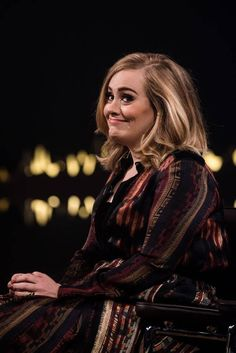 TOP 10 RIKKAIMMAT MUUSIKOT 21.4.2016.  ADELE Rikkain NAISMUUSIKKO Ilmiö: Adele on supertähti, jonka elinehto on tavallisuus