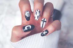 Halloween Special: Gothic Nails | PerfectHair.ch Gothic Nails, Nagellack Design, Halloween Nails, Pretty Nails, Nail Designs, Make Up, Nail Art, Clothes, Mint Nail Polish