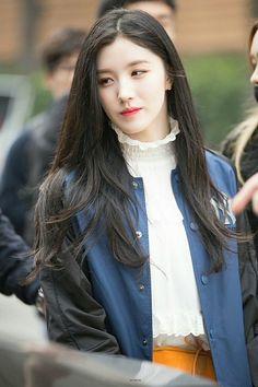 ถูกฝังไว้ Kpop Girl Groups, Korean Girl Groups, Kpop Girls, Daily Fashion, Teen Fashion, Fashion Outfits, Kris Wu, Extended Play, Pledis Girlz