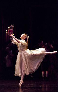 Birmingham Royal Ballet - The Nutcracker: Carol-Anne Millar as Clara; Photo Bill Cooper