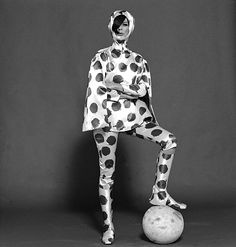 This is for those days when you really want to channel your inner Dalmatian. Ungaro spotted outfit, photo John French. London, UK, 1965 #badfashion #woof