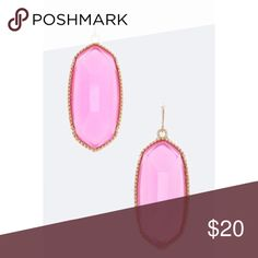 Oval Resin Stone Earrings in Pink 💞 Susan G Coman Oval Resin Stone Earrings in Pink 💞 20% of all Pink Sales in the Month of October will be donated to Susan G Coman Race for the Cure. Please help support a wonderful cause💕 Jewelry Earrings