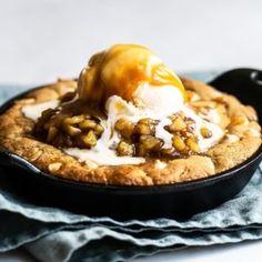 Ultimate Brownies Chocolate Chip Pizza, Pumpkin Chocolate Cheesecake, Milk Chocolate Chip Cookies, Salted Caramel Apple Pie, Chocolate Bundt Cake, Frozen Chocolate, Caramel Cookies, Caramel Apples, Brownie Cheesecake