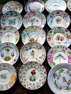 ANI ALONSO Pottery Painting, Ceramic Painting, Ceramic Art, Pottery Bowls, Ceramic Pottery, Dinner Plate Sets, Plate Design, Pottery Designs, China Painting