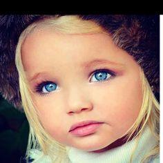 this little girl is presh. look at her eyes Precious Children, Beautiful Children, Beautiful Babies, Beautiful Dolls, Little People, Little Ones, Little Girls, Cute Kids, Cute Babies
