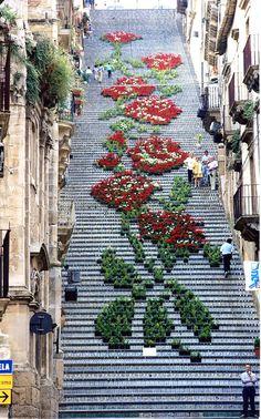 ゆっくり歩きたくなる。世界の「美しい階段」17選 | CuRAZY