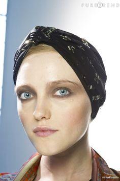 T comme Turban  ...   Catherine Baba l'a déjà intégré dans son ADN mode, le turban cette année drague notre dressing pour faire son retour c...