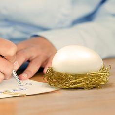 Fancy - Magnetic Desk Egg Paperclip Nest