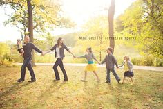 what to wear #family #children #photography #poses #outfits