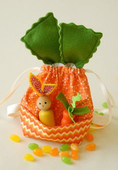 Carrot inspired doll PURSE / BACKPACK with 2 peg dolls - for Treehouse Kids Dolls and American Girl Dolls. $22.50, via Etsy.