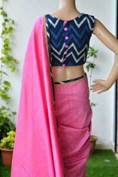 Simple and attractive saree blouse, we can design for us Cotton Saree Blouse Designs, Kurta Designs, Saree Jackets, Designer Blouse Patterns, Blouse Models, Collor, Sarees, Ethnic, Simple