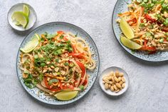 Try Vegan Pad Thai by FOOBY now. Or discover other delicious recipes from our category main dish. Clean Eating Vegetarian, Clean Eating Recipes, Vegetarian Recipes, Boiled Vegetables, Roasted Vegetables, Wok, Vegetarian Cabbage Soup, Harvest Kitchen, Food Menu