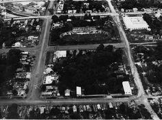 Vista aérea do bairro Cachoeirinha, no ano de 1959. Destaque para o terreno em forma de elipse, onde era localizado o Velódromo Álvaro Maia, antes Velódromo Recreio. Acervo: Moacir Andrade.