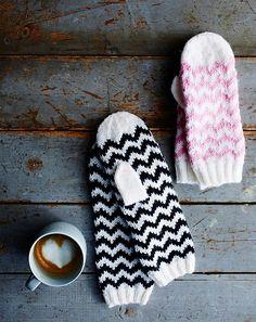 Knitting Charts, Free Knitting, Baby Knitting, Knitting Patterns, Mittens Pattern, Knit Mittens, Knitting Socks, Crochet Chart, Knit Crochet