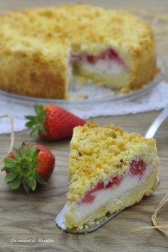 SBRICIOLATA FRAGOLE E RICOTTA ricetta Friend Recipe, Antipasto, Flan, Creative Food, Cheesecakes, Gelato, Queso, Vanilla Cake, Nutella