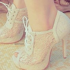 shoes with lace :)