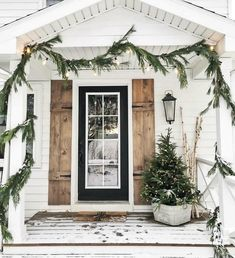Farmhouse christmas porch ideas 37 super Ideas – The Best DIY Outdoor Christmas Decor