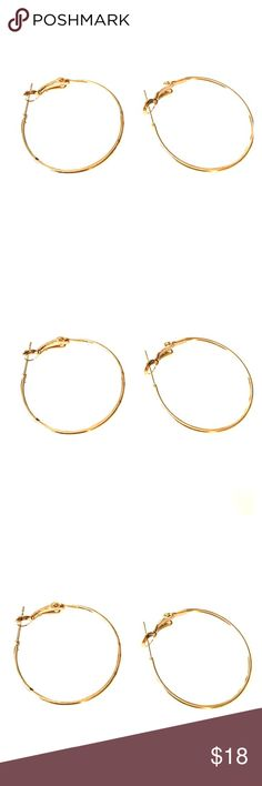 ❤️sale❤️ Champagne gold hoop earrings These are my go to comfortable hoop earrings. Made a champagne, gold color. These measure a little over one inch. Bundle with other items in my closet to save even more. Jewelry Earrings
