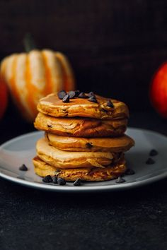Fluffy Chocolate Chip Pumpkin Pancakes #vegan #dairyfree #breakfast