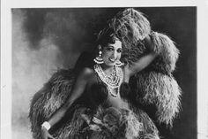 5 Fascinating Facts About Josephine Baker Josephine Baker, Harriet Tubman, Great Women, Amazing Women, Beautiful Library, Black Actresses, Brave Women, Women In Music, African American Women