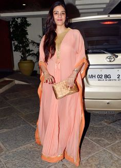 Tabu at Sonali Bendre and Goldie Behl anniversay bash.