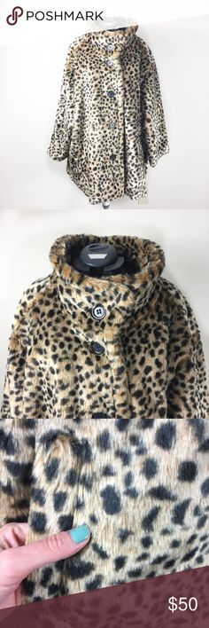 0b4e7daff504 Torrid Leopard Faux Fur Teddy Coat size 5 Beautiful and luxurious looking!  Large buttons up