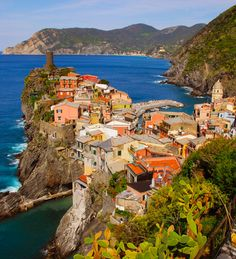 Vernazza, Cinque Terra, Italy - again, already been but it was definitely one of my favorite places in Italy Places In Italy, Oh The Places You'll Go, Great Places, Beautiful Places, Places To Visit, Cinque Terre, Dream Vacations, Vacation Spots, Vacation Ideas
