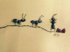 Hormigas con piedras