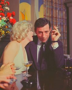 American actress, singer, and model Marilyn Monroe and Italian-born French actor and singer Yves Montand on the set of Let's Make Love, directed by George Cukor. Released in Get premium, high resolution news photos at Getty Images Marilyn Monroe, Lets Make Love, Let It Be, Classic Hollywood, Old Hollywood, Love Vintage, Nostalgia, Norma Jeane, American Actress