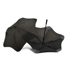 Blunt Mini Umbrella | The smartly designed (and unflappable) umbrella has no poking points.