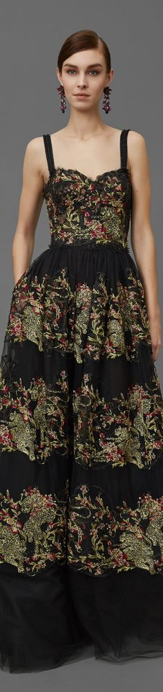 Marchesa Pre Fall 2016 vogue (can't wait to make this..on the hunt for fabric)