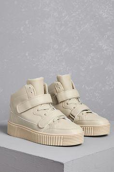 https://www.forever21.com/us/shop/Catalog/Product/plus/Shoes/2000144450