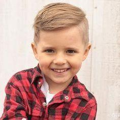 Une coiffure facile à faire pour votre garçon