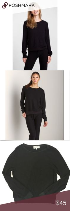 Wildfox Baggy Beach Jumper Black Sweatshirt Crew Wildfox Crewneck Sweatshirt Sweater S Black Warm Pullover Baggy Beach Jumper  has some pilling but this may just be due to the fact that the sweater is fuzzy Wildfox Sweaters Crew & Scoop Necks
