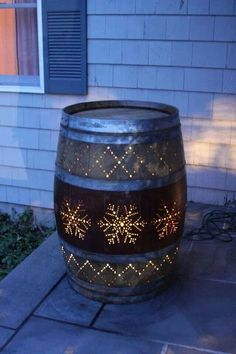Love this, wine barrel luminere