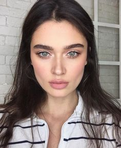 trendy makeup looks fall brows Natural Summer Makeup, Natural Makeup Looks, Natural Looks, Simple Makeup, Minimal Makeup, Simple Make Up Natural, Natural Makeup Products, Natural Beauty, Natural Light