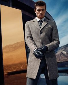 Eugen Bauder for GUESS by Marciano more leather gloves and amazing coats! everyman needs to have a look like this! Modern Gentleman, Gentleman Style, Gentleman Fashion, Modern Man, Mode Masculine, Sharp Dressed Man, Well Dressed Men, Male Clothes, Stylish Winter Outfits