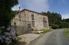 A Coruña. Casa rural en venta. Cariño.